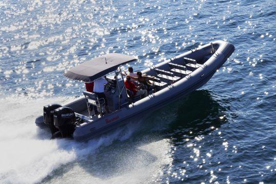 Le M8 en version transport de passagers