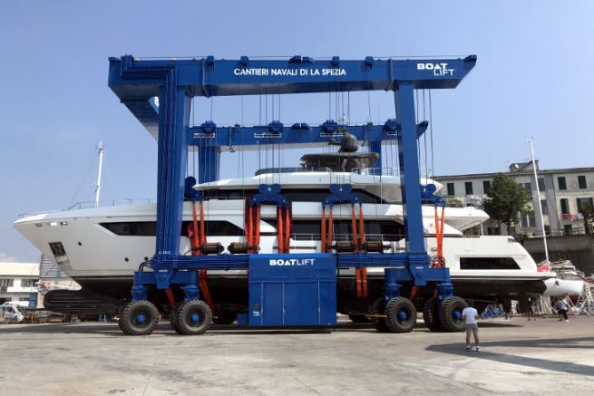 Boatlift manufactures custom-made launching gantries