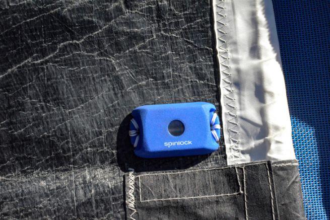 Spinlock Sailsense sensor to record the operating history of a boat sail