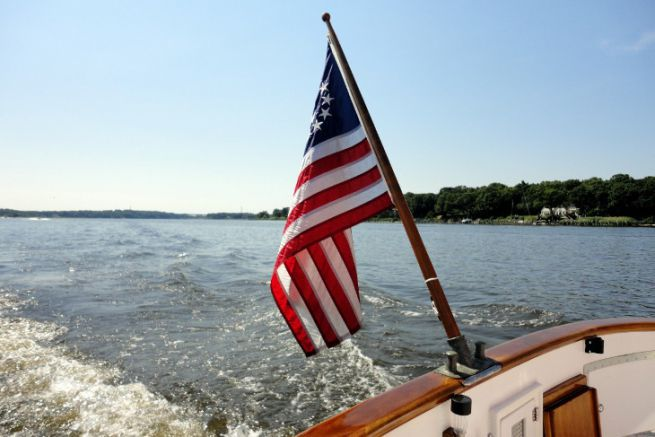 American yachting reduces sail area against Covid19