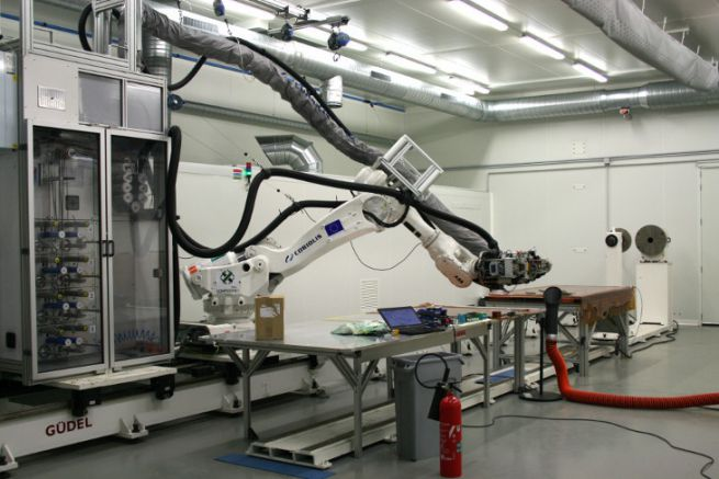 Draping robot at ComposiTIC