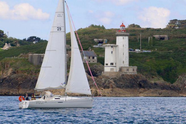 Oceanis sailboat from the Bénéteau group