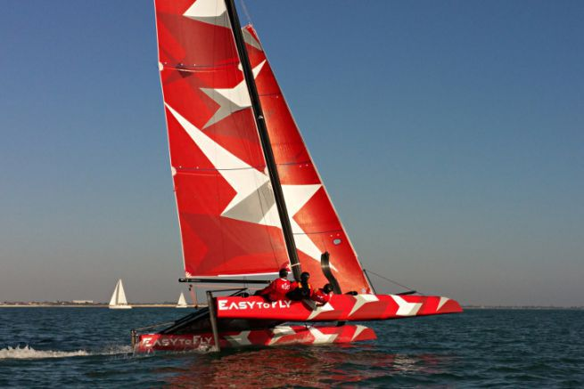 The hydrofoil catamaran Easy To Fly