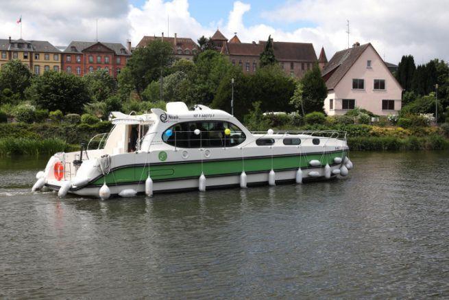 Sixto Green, Nicols' electric river boat