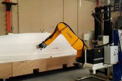 Sanding a model of a boat hull by a robot as part of the Coroma Project