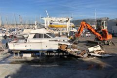 Sclavo is involved in the decontamination and dismantling of recreational boats