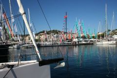 Les voiliers s'installent à Port Canto pour le Cannes Yachting Festival