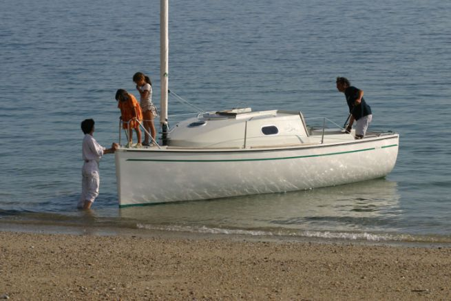 Ikone 6.0, a catboat that built the image of the Espace Vag shipyard