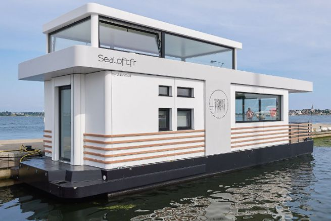 Sealoft, floating accommodation in operation in Lorient Kernevel