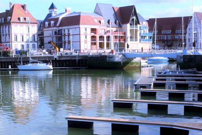 New pontoon at the Deauville municipal marina