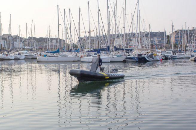 Naviwatt Zen Pro 580, an electric boat for marinas