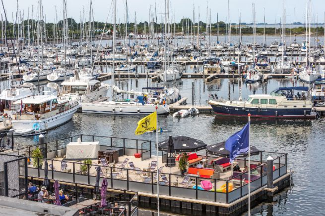 The Jachthaven Bruinisse marina integrates the Port Adhoc network with the Thuishaven group