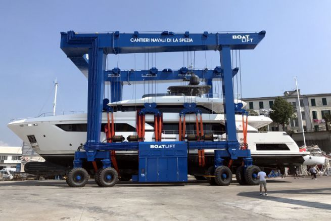 Boatlift manufactures custom-made launching gantries