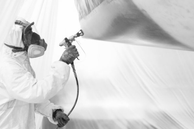 Airless application of an Epoxygard system -  Nautix A4 Formula+ on a 60-foot monohull