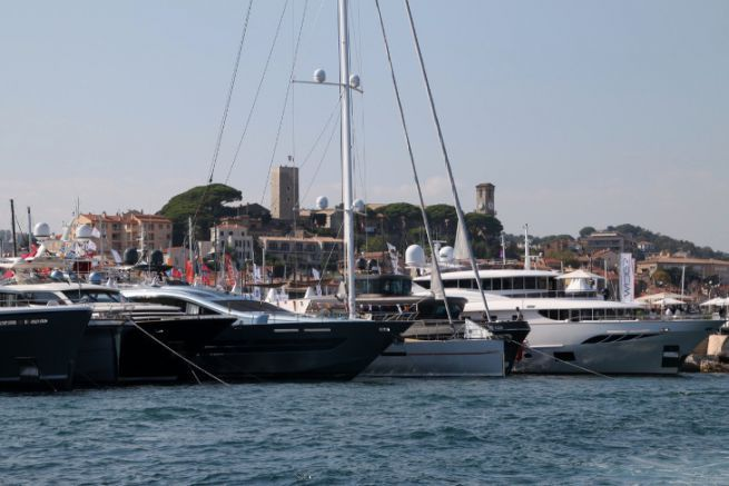 Yachts in the port of Cannes