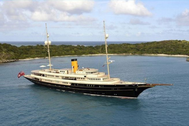 Superyacht Nero, largest yacht sold in 2014