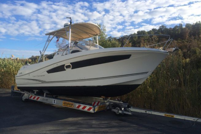 Hydraulic trailer for Trigano Port boat by Mecanorem